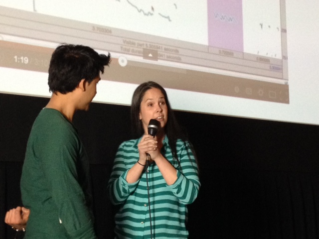 Rachel gives an audience participant from Thailand a pronunciation lesson!